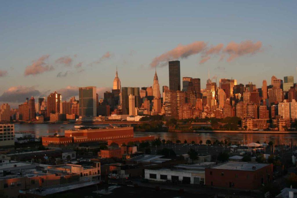 Skyline New York Sonnenaufgang - reisenewyork.com