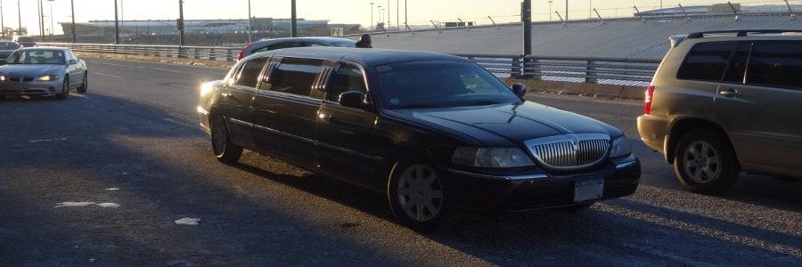 New York Flughafentransfer JFK Airport Manhattan mit einer Stretch Limousine