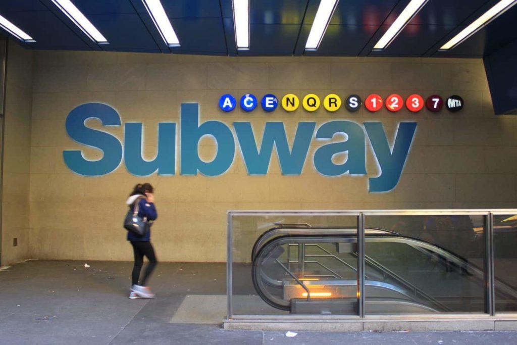 New York Subway Metrostation Time Square - reisenewyork.com